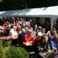 Besucher beim Waldfest 2012